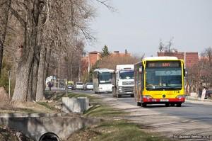 26.03.2012, ul. Buforowa. Mercedes na linii 110. fot. Wojciech Dembski.