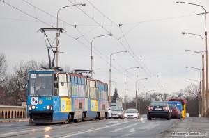 9.01.2012, Wrocław, most Osobowicki. Skład #2234+2235 na linii 24 zmierza na Osobowice. fot. Wojciech Dembski.
