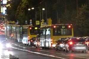 22.06.2013, Wrocław ul. Skłodowskiej-Curie. Utrudnienia w związku z organizacją nocnego maratonu.