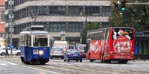 21.10.2013, Wrocław ul. Świdnicka. Klubowa N-ka wiezie zwiedzających zajezdnie tramwajowe w ramach Dnia Otwartego MPK. fot. Bartek Kasiuk