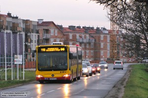 1.11.2013, Wrocław ul. Buforowa. Linia 110 w drodze na ul. Peronową.