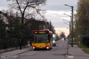 10.11.2013, Wrocław ul. Zatorska. 130 na objeździe spowodowanym remontem bocznicy kolejowej do Whirpoola.