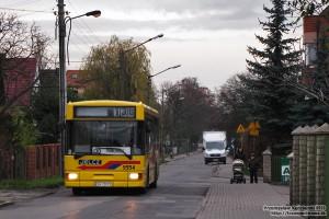 10.11.2013, Wrocław ul. Zatorska. 130 na trasie objazdowej przez Osiedle Sobieskiego.