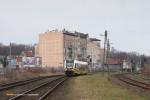 15.12.2013, Świdnica Miasto. Drugi tego dnia pociąg z Wrocławia zaraz wjedzie na świdnicki dworzec.