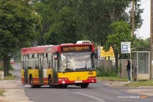 01.07.2013, Wrocław ul. Jerzmanowska. Volvo #7004 na linii 129 kończy kurs do pętli Jerzmanowska (pętla).