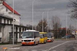 10.01.2014, Wrocław, ul. Dobroszycka. Zbieranina linii 150L, 150P i 158.