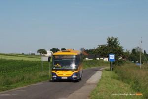 8.06.2013, Kępa. SOR na linii 904 za kilka minut dojedzie do Łoziny.
