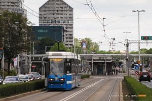 16.06.2015, Wrocław pl. Grunwaldzki. Protram 205WrAs na linii 4.