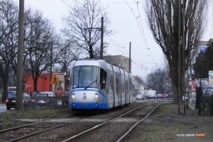 3.03.2014, Wrocław ul. Opolska. Skoda na linii 5. fot. Bartek Kasiuk