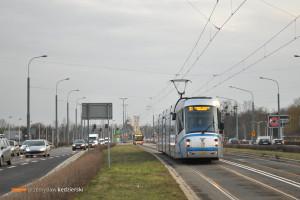 15.02.2016, Wrocław, ul. Bardzka. Skoda na linii 31.