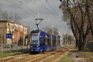 6.03.2016, Wrocław ul. Krakowska. PESA na linii 5.