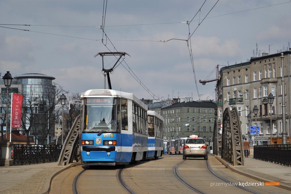 Wymiana rozjazdów tramwajowych na Moście Trzebnickim