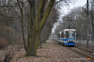 14.03.2016, Wrocław al. Paderewskiego. Skład na linii 9.