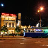 18.06.2016, Wrocław, ul. Piłsudskiego. Konstal 4N1 #1444 pozuje na tle wrocławskiego dworca głównego.