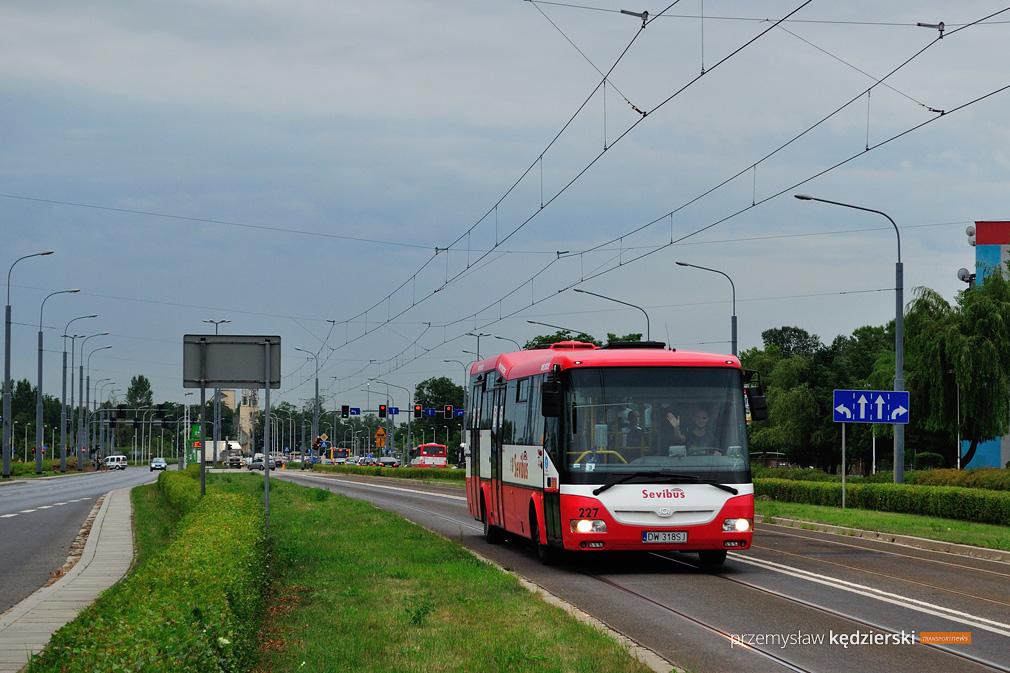 Zmiana przystanków autobusowych na skrzyżowaniu Bardzka/Armii Krajowej