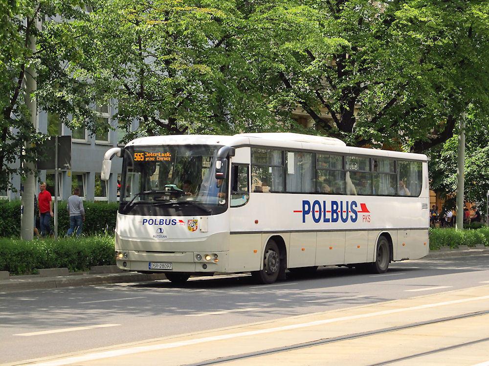 Polbus odwołuje kursy
