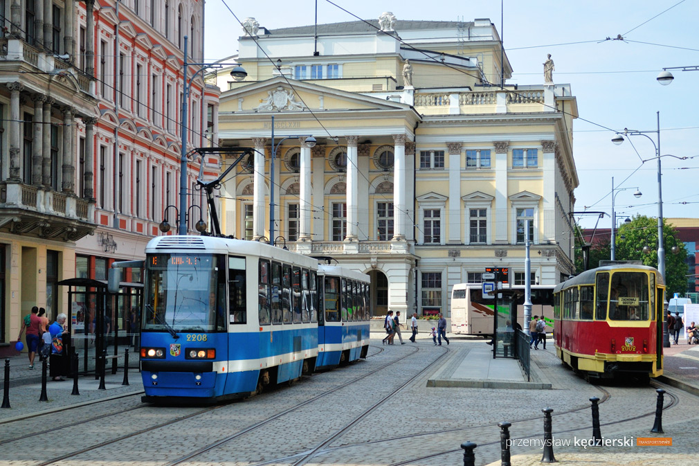 Widowisko operowe Traviata – zmiana tras linii tramwajowych