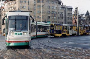 23.01.2001, Wrocław, ul. Powstańców Śląskich. Testowy tramwaj NGT8D na linii 24. fot. wg / wgmnie.net