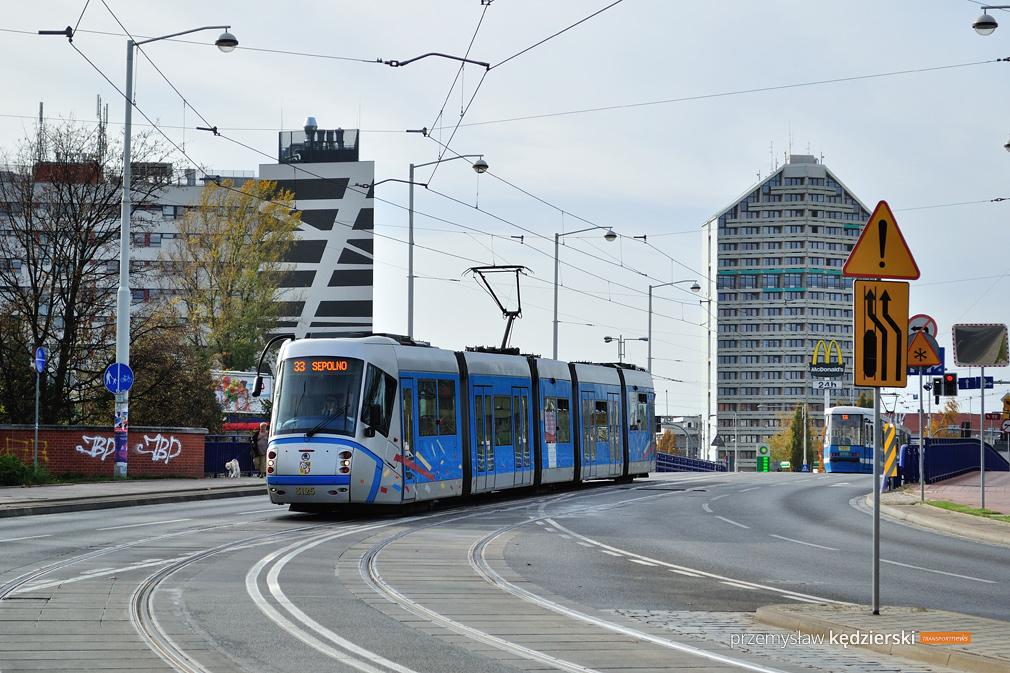 Weekendowy remont torowiska na Moście Szczytnickim – zmiany tras tramwajów