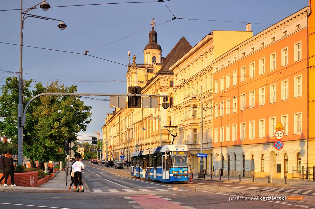 Weekendowe wzmocnienia tramwajowe w rejonie Hali Stulecia i Rynku