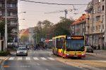 01.11.2019, Wrocław, ul. Grunwaldzka. Mercedes na linii 335.