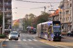 01.11.2019, Wrocław, ul. Grunwaldzka. Moderus na linii E3.
